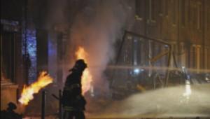 Un camion-citerne prend feu près de Lille.