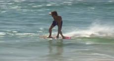 Le 20 heures du 28 septembre 2014 : Le Skimboard : petit fr� du surf - 1817.629