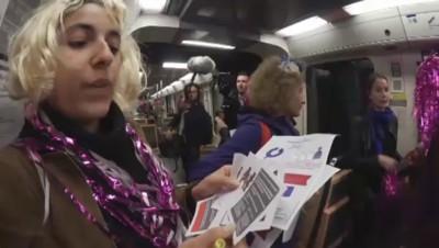 Des féministes dans le métro pour dire non au harcèlement et aux agressions