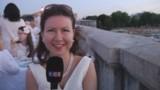 """Des milliers de """"dîneurs en blanc"""" investissent six ponts de Paris"""