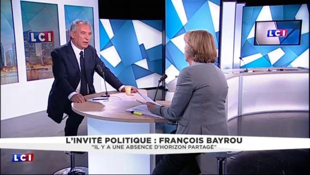 """Bayrou confirme son soutien à Juppé : """"Je ne change pas de ligne"""""""