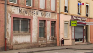 Le 13 heures du 24 juin 2015 : Vosges : les commerces ferment les uns après les autres - 312