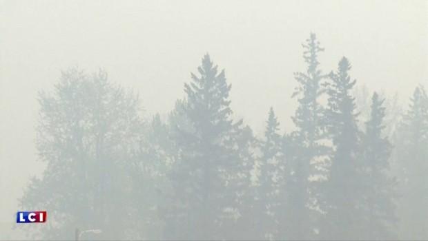 Canada : l'incendie de Fort McMurray menace des installations pétrolières