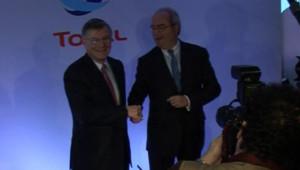Thierry Desmarest et Christophe de Margerie, président et directeur général de Total lors de la présentation des résultats le 14 février 2007