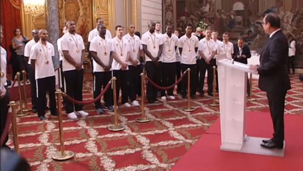 Les Bleus de basket à l'Elysée le 23 septembre 2013