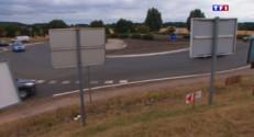 Le 20 heures du 28 juillet 2015 : Loi sur la pollution visuelle : les commerçants refusent d'enlever leurs panneaux dans la Sarthe - 1344