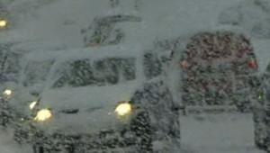 neige enneigé hiver flocons routes tempête intempéries