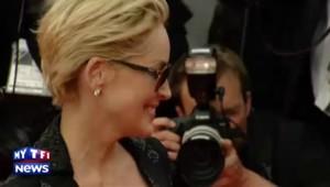 Sharon Stone éblouissante sur le tapis rouge à Cannes