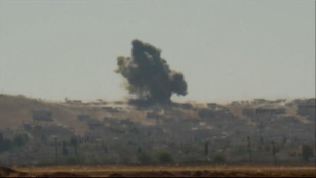 Le 20 heures du 6 octobre 2014 : Syrie : une ville cl�e la fronti� turque sous le feu jihadiste - 1491.2240330810548