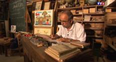Le 13 heures du 31 août 2015 : Cartable en bois, bons points, carabines … rencontre avec un collectionneur d'objets d'école - 1723