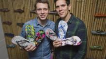 Rob et Paul Forkan, deux frères orphelins du tsunami de 2004 devenus entrepreneurs et fondateurs d'un orphelinat au Sri Lanka.