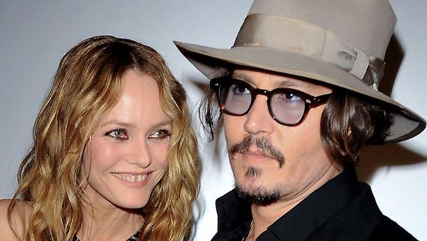 Johnny Depp et Vanessa Paradis, à l'époque où ils étaient encore mariés, se rendent à une soirée Canal + le 18 mai 2010.