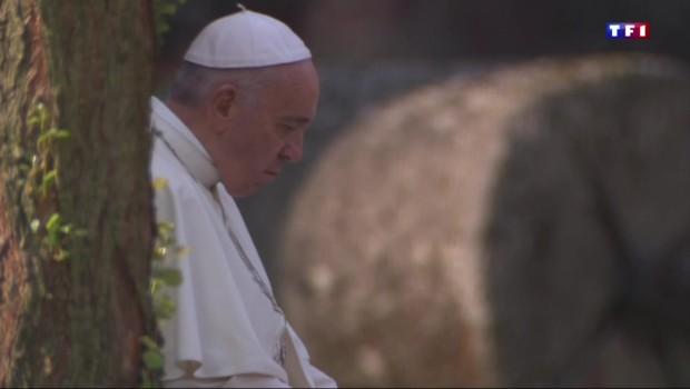 Le pape François à Auschwitz, les temps forts d'une visite historique
