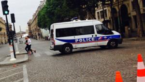 Barrage de police entre la Madeleine et la Concorde à Paris pour l'arrivée du Tour de France le 26 juillet 2015