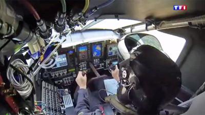 Dans la cabine de pilotage de l'avion solaire Solar Impulse 2