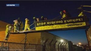 Action de Greenpeace à la centrale de Fessenheim le 18 mars 2014.