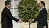 Sondage : la popularité de Sarkozy dégringole, Hollande reste stable