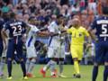 Brandao contestant une décision de l'arbitre lors du match PSG-Bastia le 16 août 2014 au Parc des Princes.