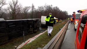 Le 13 heures du 4 janvier 2015 : Accident de car en Savoie : 7 blessés légers - 72.261