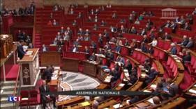 Manuel Valls défend la réforme constitutionnelle dans un hémicycle presque vide