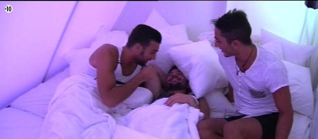 Mais que manigancent Aymeric, Steph et Vivian dans la Love Room ?