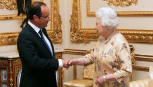 François Hollande et la reine Elizabeth II, à Windsor, près de Londres, le 10/7/12