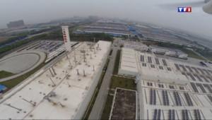 Le 20 heures du 21 avril 2014 : Visite dans une gigantesque usine PSA Peugeot-Citro�en Chine - 901.545