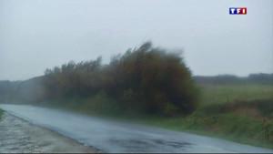 Coup de vent à la pointe Saint Mathieu, dans le Finistère, le 12 décembre 2014