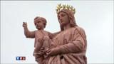 Une statue de la Vierge Marie déplacée de la rue de la Radasse