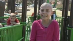 Kamryn Renfro s'est rasé le crâne en solidarité avec une camarade de classe atteinte d'un cancer.