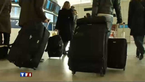Roissy valises bagages sécurité aéroport voyageurs avion vol compagnie