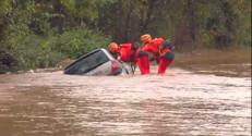 Le 13 heures du 26 novembre 2014 : Inondation dans le Var : la ville d%u2019Hy�s inond�et sinistr� - 224.601