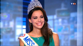 Miss France mue aux larmes sur le plateau du JT de 13h de TF1