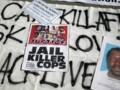 Une banderole de protestation après la mort d'un sans-abri abattu par la police de Los Angeles