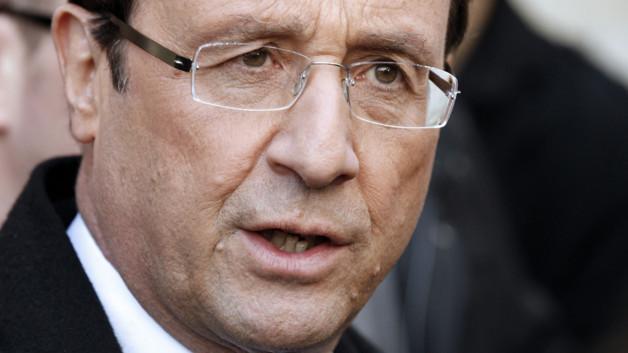 François Hollande, à son arrivée au squat d'ACLEFEU, le 22 février 2012.