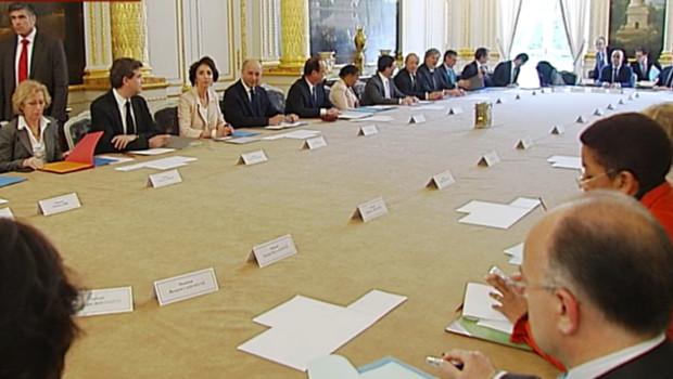 Premier Conseil des ministres pour le gouvernement Ayrault, le 17 mai 2012.