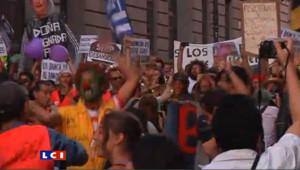 Madrid : les indignés reprennent possession de la puerta del Sol