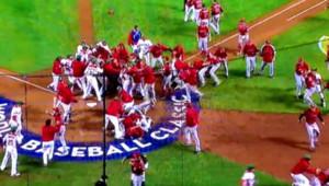 Une bagarre générale a éclaté lors du match de baseball entre le Canada et le Mexique, le 9 mars 2013.