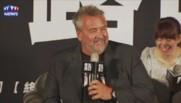 """Luc Besson lors d'une conférence de presse pour la présentation de """"Lucy"""" à Taïwan, le 19 août 2014."""