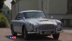 """La célèbre voiture de l'agent secret est en vente avec tous ses gadgets les plus performants. Elle a notamment été conduite par Sean Connery dans """"Goldfinger""""."""