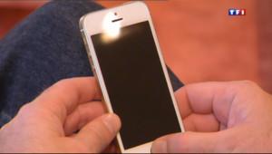 Le 13 heures du 11 décembre 2013 : Smartphones : toutes les nouveaut�pour faire votre choix - 1486.816
