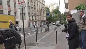 Devant les locaux de la brigade financière à Paris où Bernard Tapie doit être entendu le 24 juin 2013.
