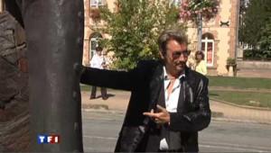 Il s'est offert la statue de Johnny Hallyday
