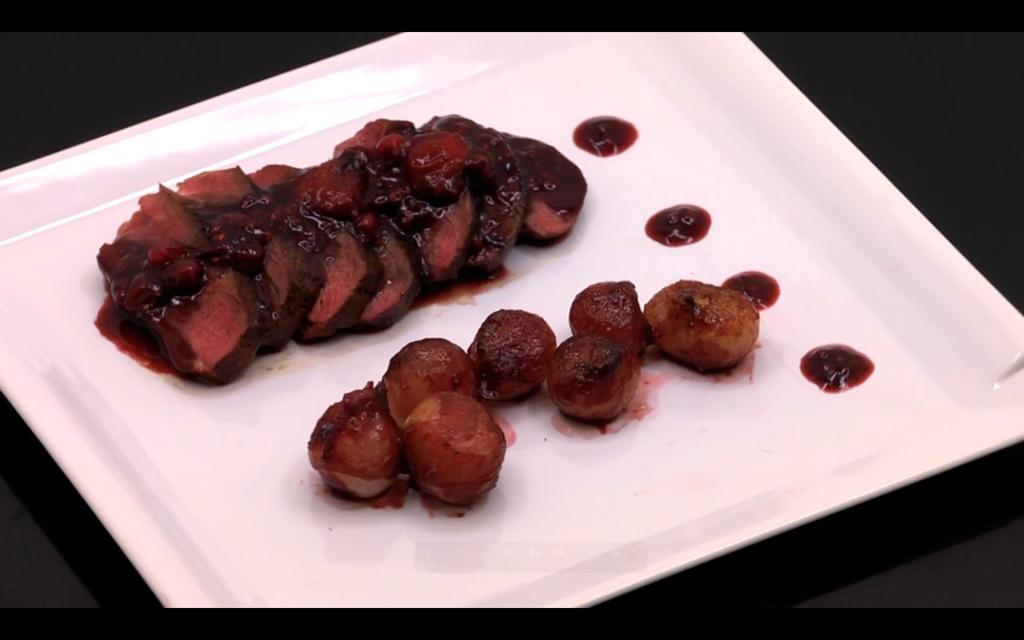 Plat magret de canard aux fruits rouges masterchef mytf1 - Cuisiner un magret de canard a la poele ...