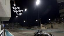 Lewis Hamilton remporte le GP d'Abou Dhabi et est sacré champion du monde pour la 2e fois, le 23 novembre 2014.