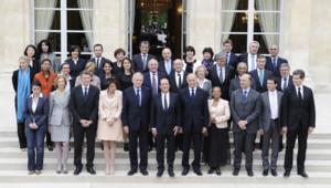 Photo de classe gouvernement Ayrault 1, prise à l'Elysée le 17 mai 2012.