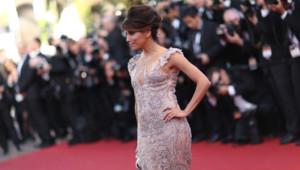 Cannes 2012 : Eva Longoria sur le tapis rouge pour la cérémonie d'ouverture