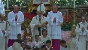 Le 13 heures du 25 décembre 2014 : Le pape François a délivré le traditionnel message de Noël - 349.573