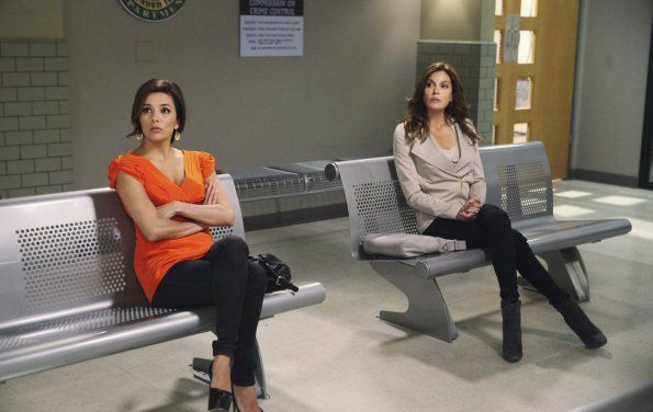 Desperate Housewives Saison 8. Srie cre par Charles Pratt, Marc Cherry en 2004. Avec : Teri Hatcher, Felicity Huffman, Marcia Cross et Eva Longoria.