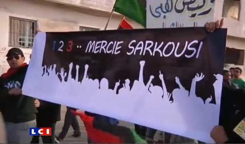 TanBIRRA Freshka Bèrda (..Zideha Lass) - Page 8 Libyens-celebrant-nicolas-sarkozy-septembre-2011-10541542ljilt_1703